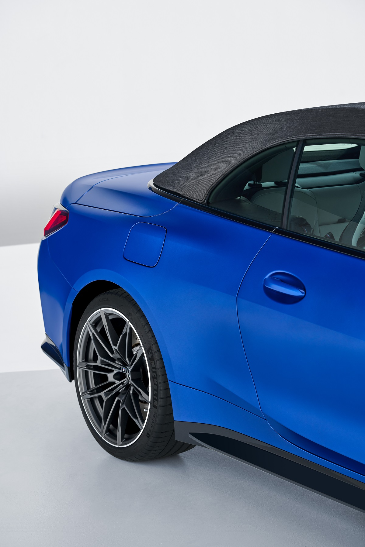 P90420242_highRes_the-new-bmw-m4-compe.jpg