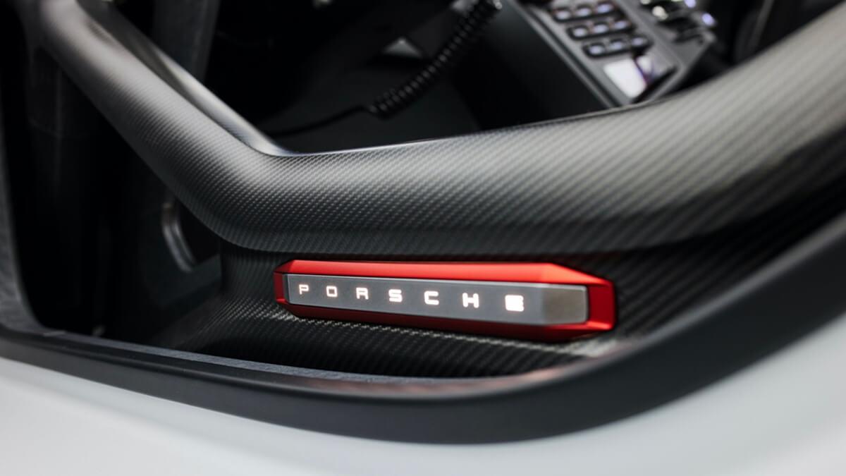 300821-Porsche0414LDN.jpg