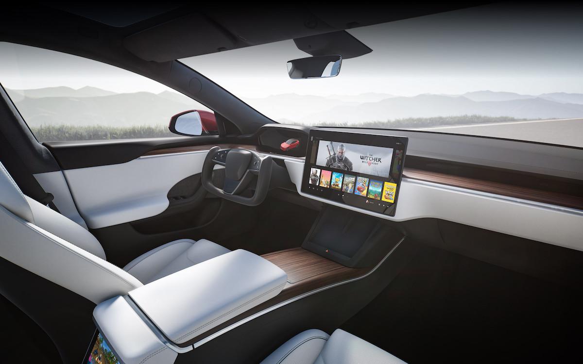 Model S 全新內裝設計.jpeg