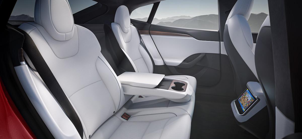 Model S 全新後排設計.jpeg