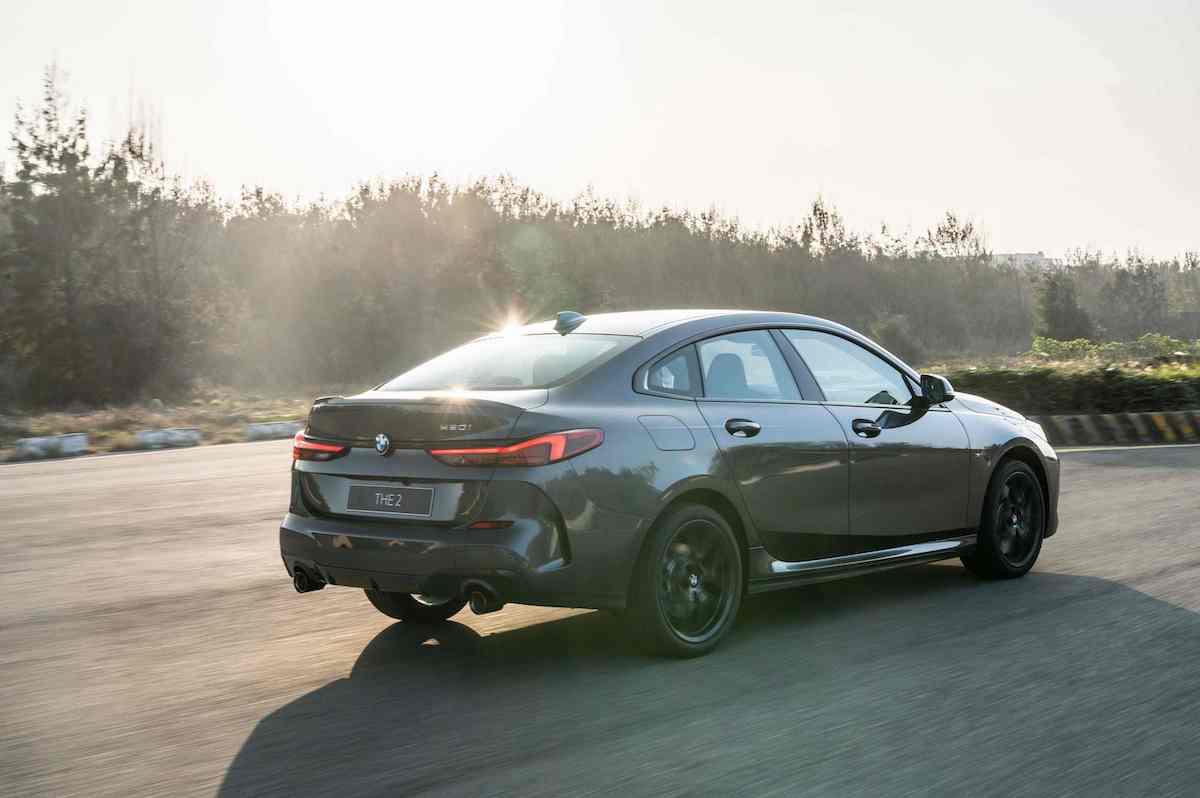 [新聞照片七] 標準配備的M款煞車套件、ARB防滑控制系統與彎道控制系統(Performance Control),使全新BMW 2系列Gran Coupé操控過人一等.jpg