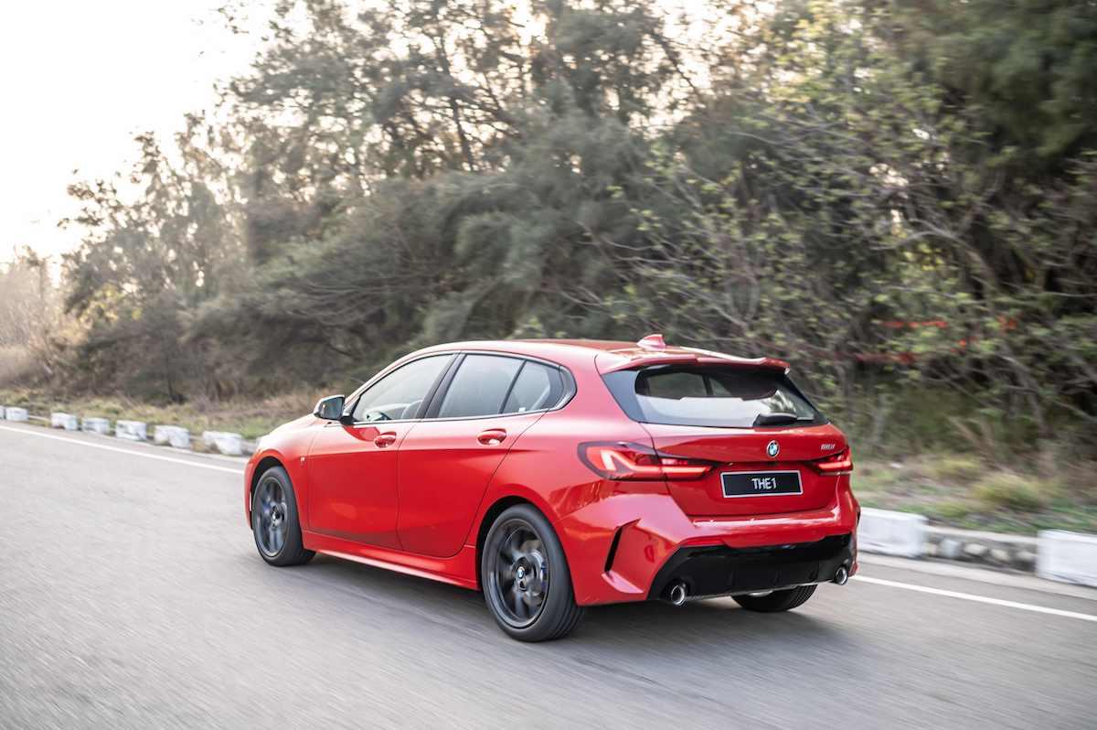 [新聞照片八] 全新BMW 1系列在巴伐利亞精準調教與50比50完美車身比例搭配之下,擁有同級無可比擬的靈活操控感受.jpg