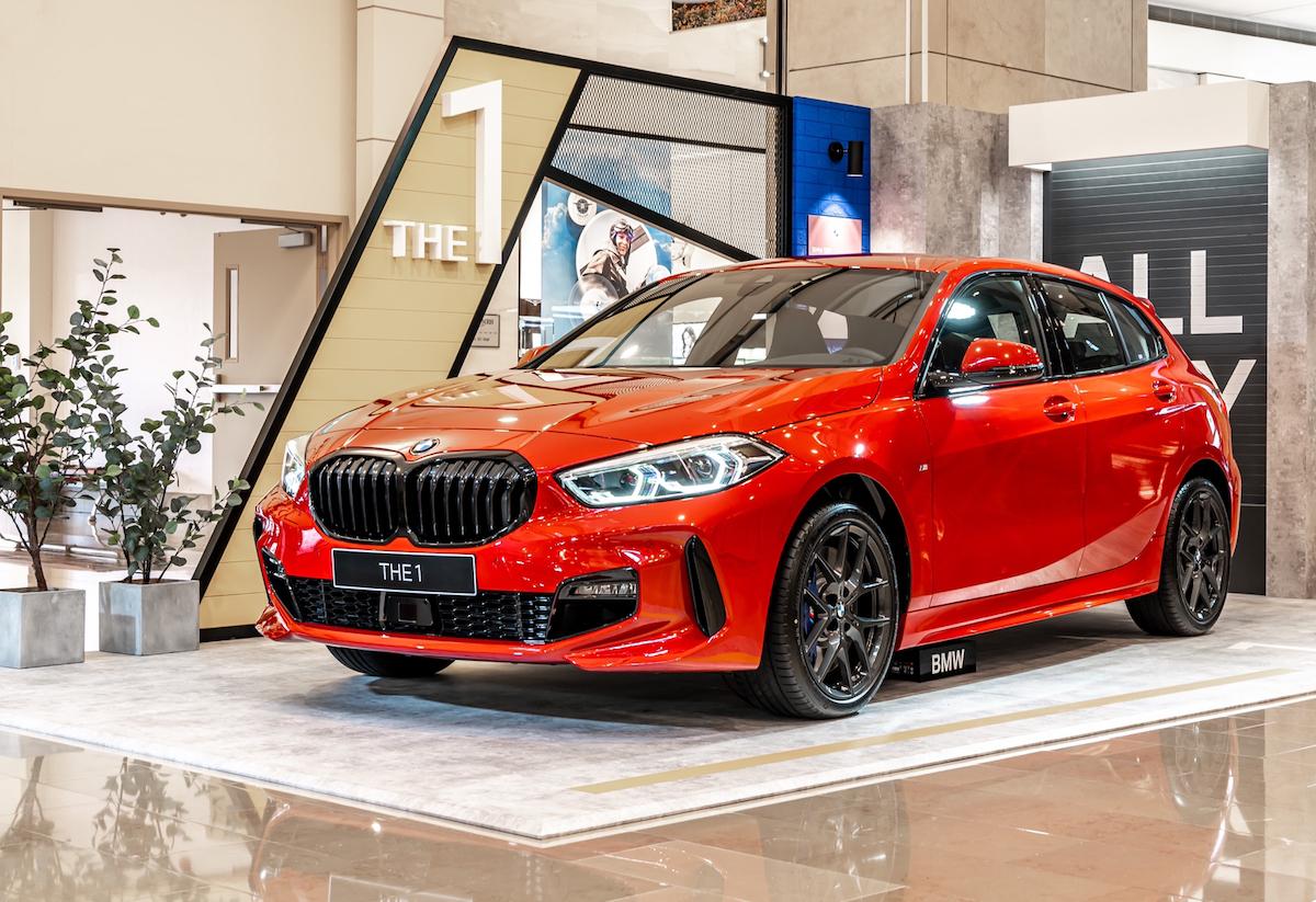 [新聞照片三] 全新BMW 120i Edition M以BMW最具時尚態度的代表車款現身現場.JPG