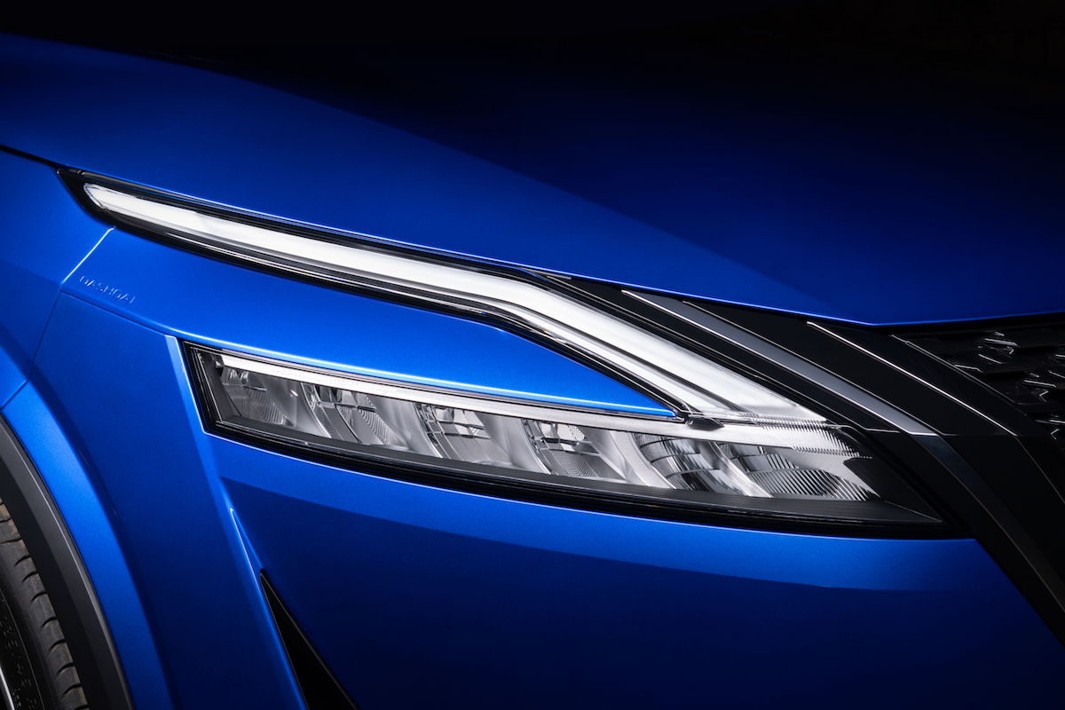 All-New Nissan Qashqai - Exterior 6 Front signature light.jpg