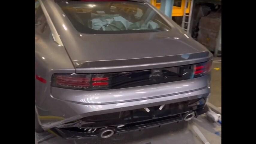 Leaked-Nissan-400Z-15-1.jpeg