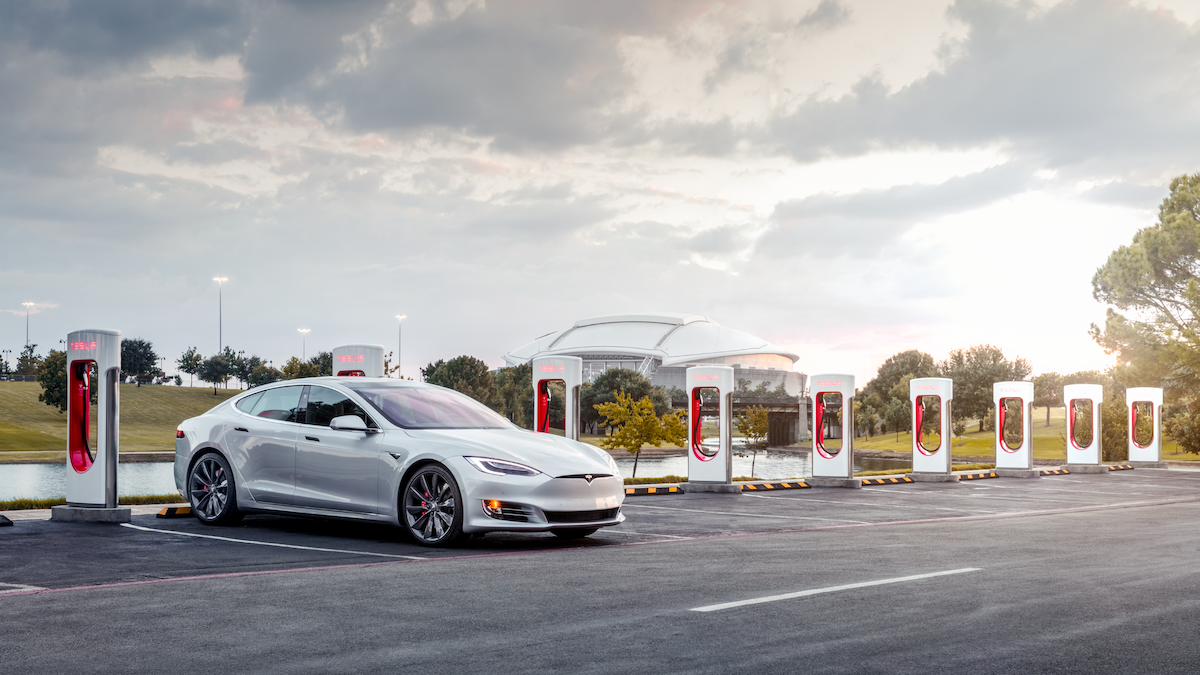 Tesla 超級充電站 - Tesla V3 超級充電技術最快 5 分鐘可達 120 公里續航力.png