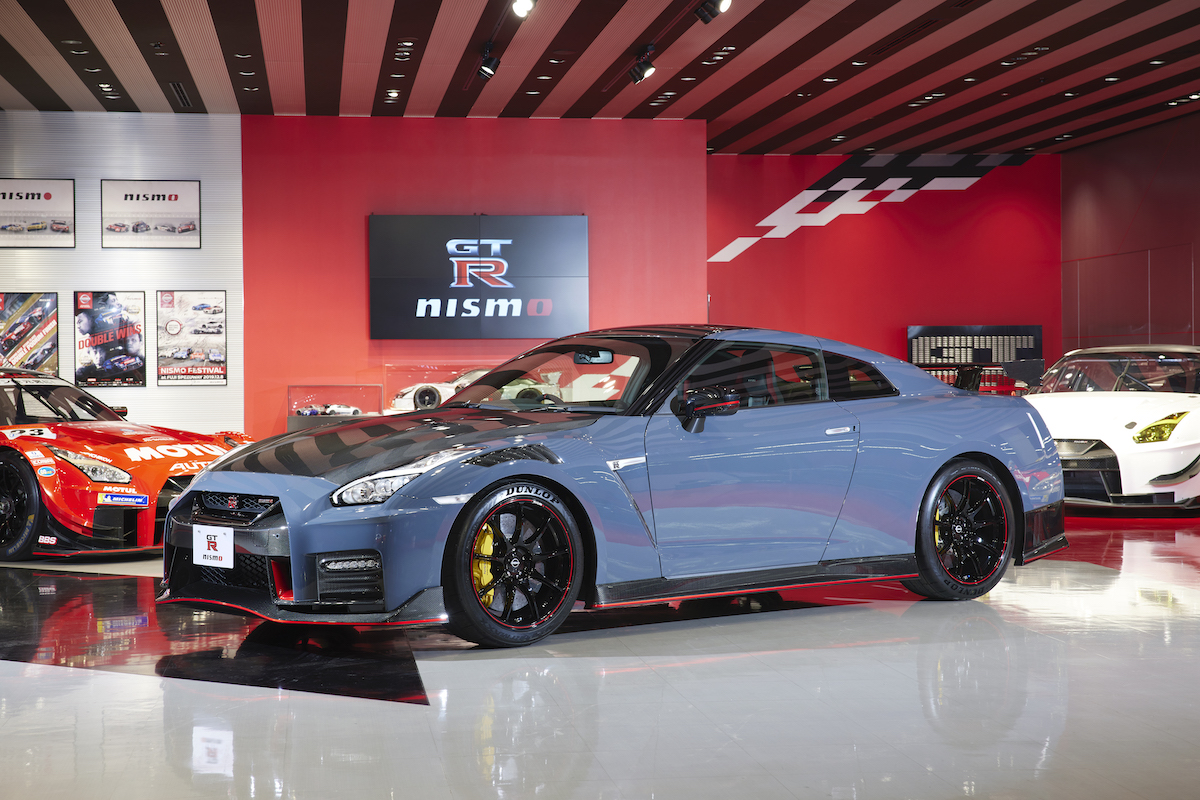 22MY_New_GT-R_NISMO_2747-source.jpg