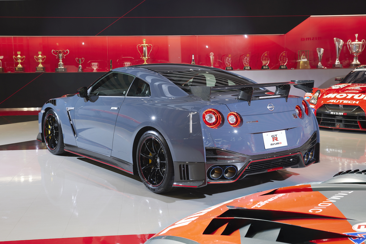 22MY_New_GT-R_NISMO_2813-source.jpg