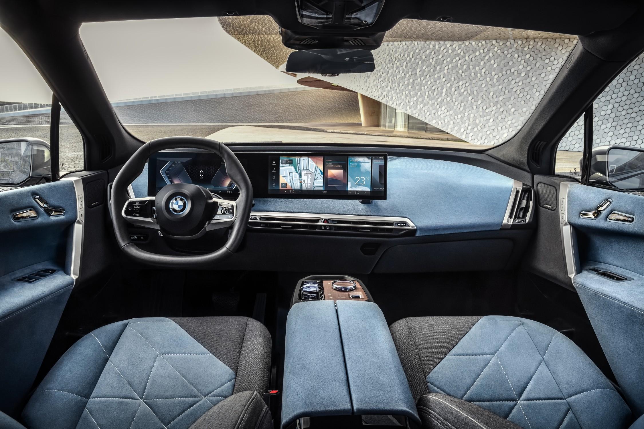 BMW iX2.jpg