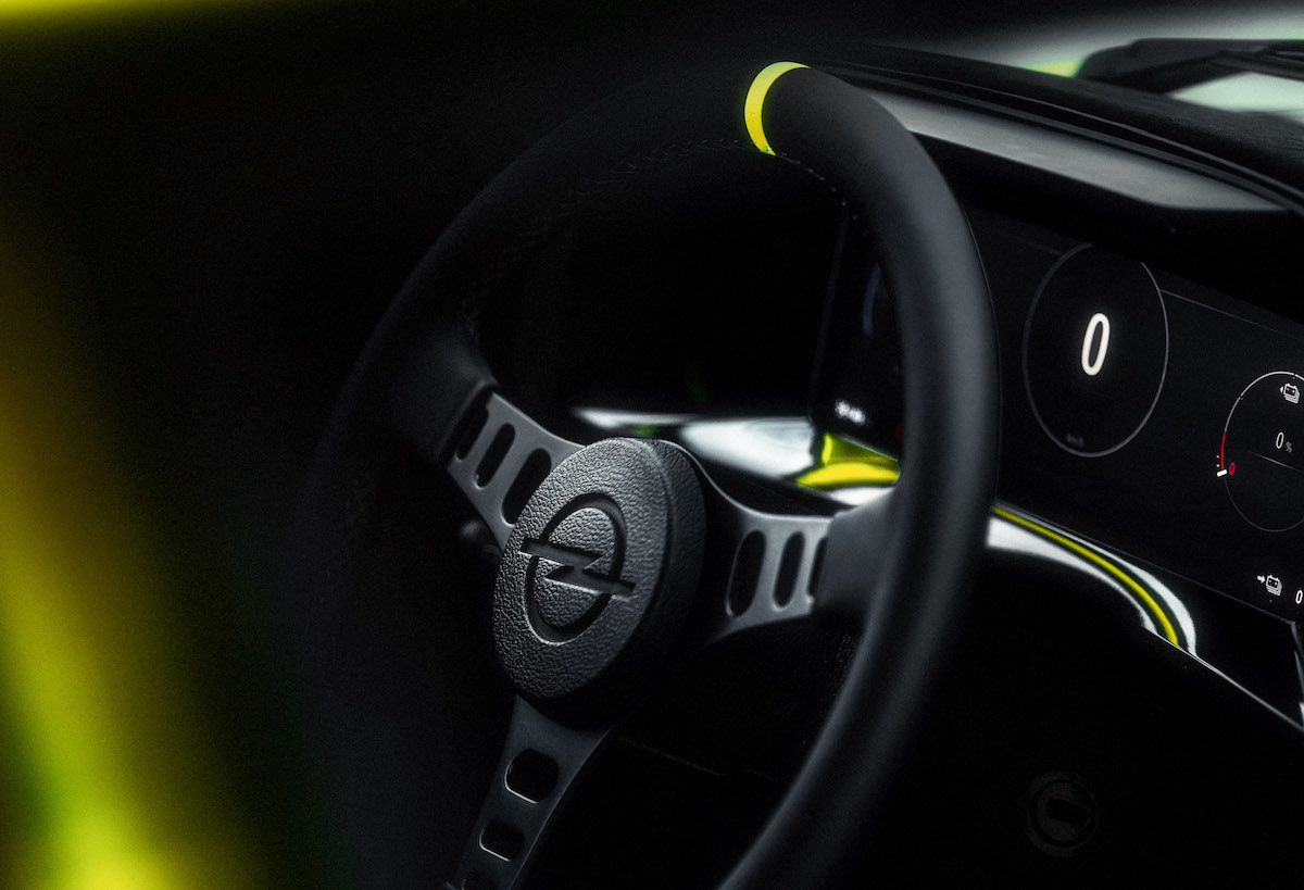 17_Opel-Manta-GSe-ElektroMOD-515670.jpg