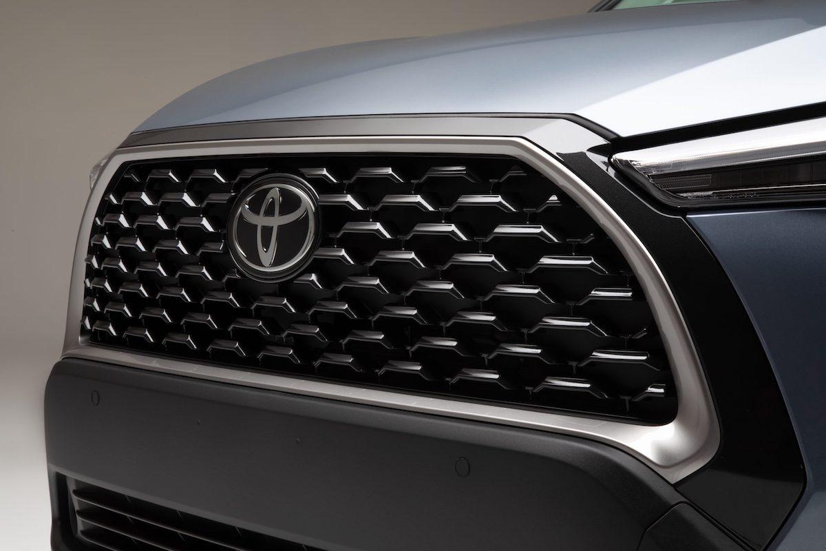 2022_Toyota_Corolla_Cross_Celestite_010-scaled.jpg