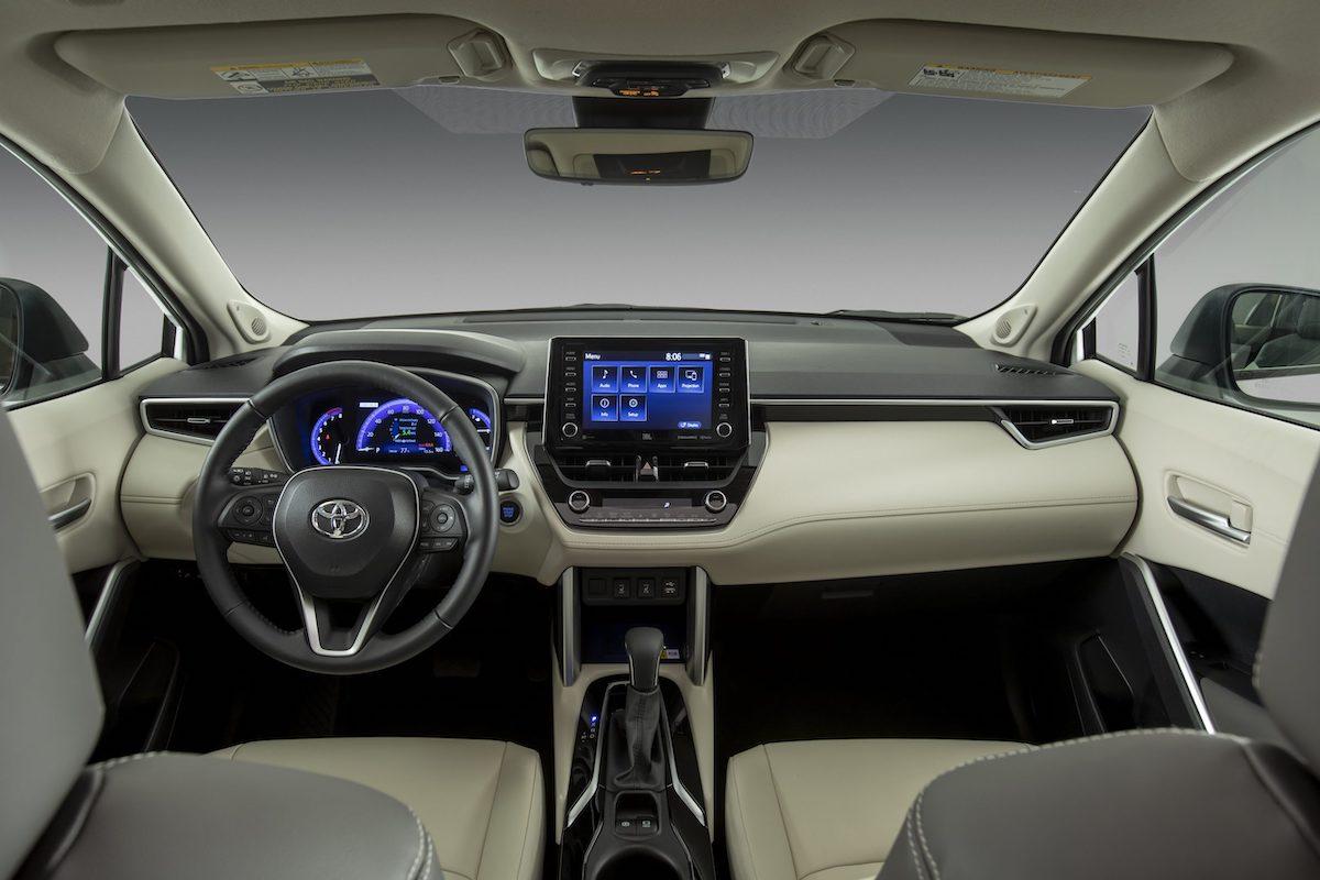 2022_Toyota_Corolla_Cross_WindChillPearl_016-scaled.jpg