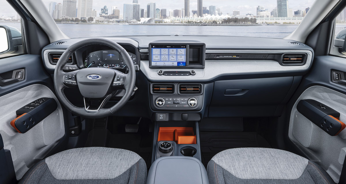 Ford-Maverick_Hybrid_XLT_14.jpg