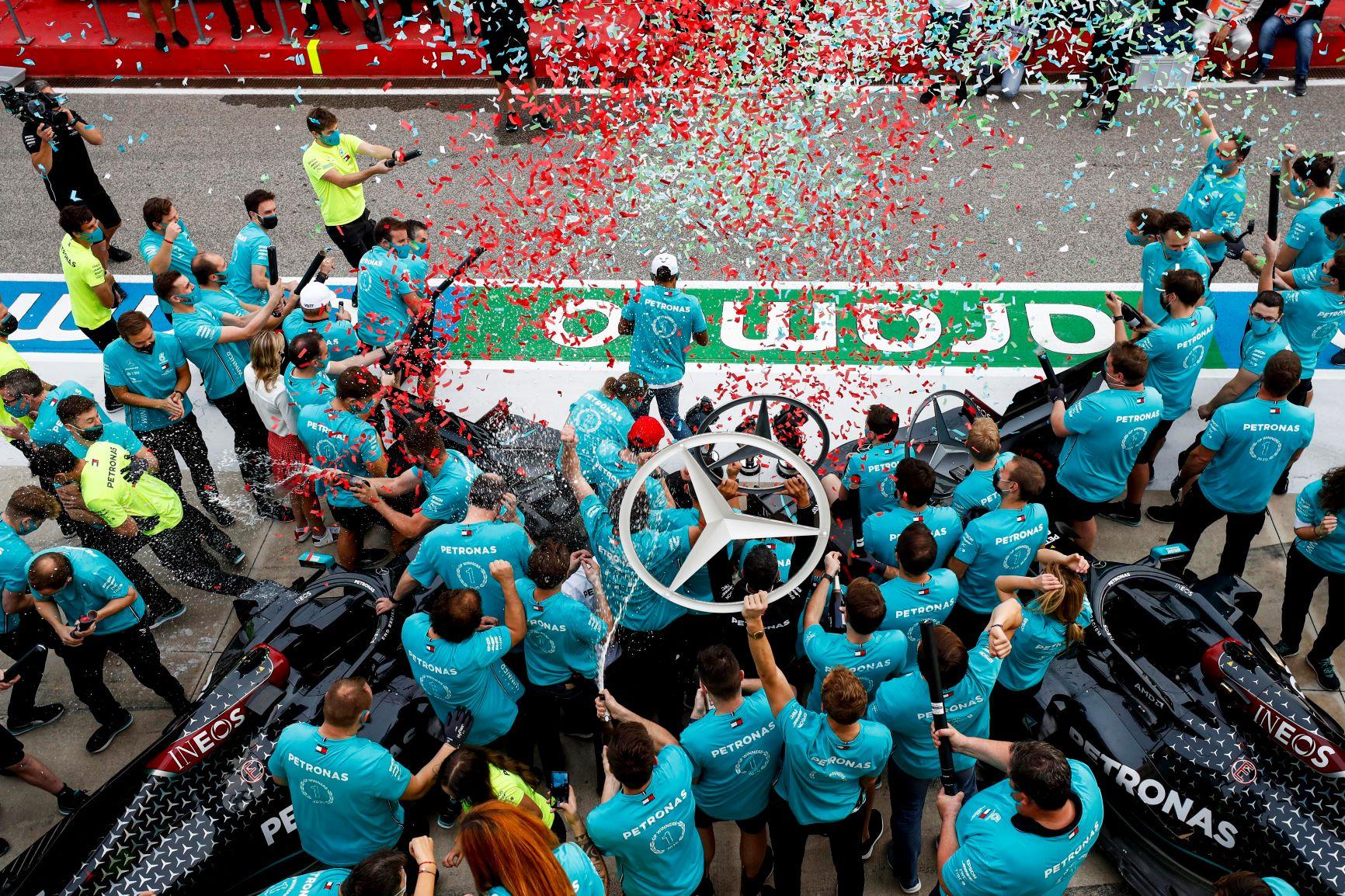 圖2 Mercedes-AMG Petronas更在2020年賽季創下Formula 1車隊冠軍七連霸的空前壯舉.jpg