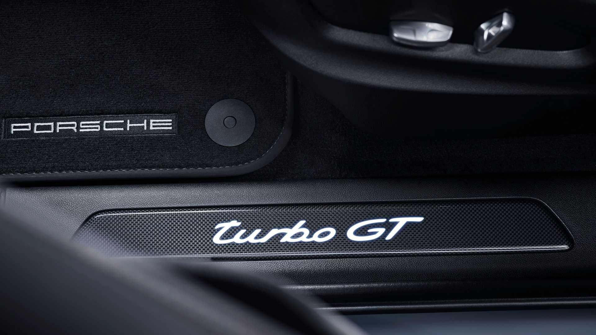 porsche-cayenne-turbo-gt-emblem.jpeg