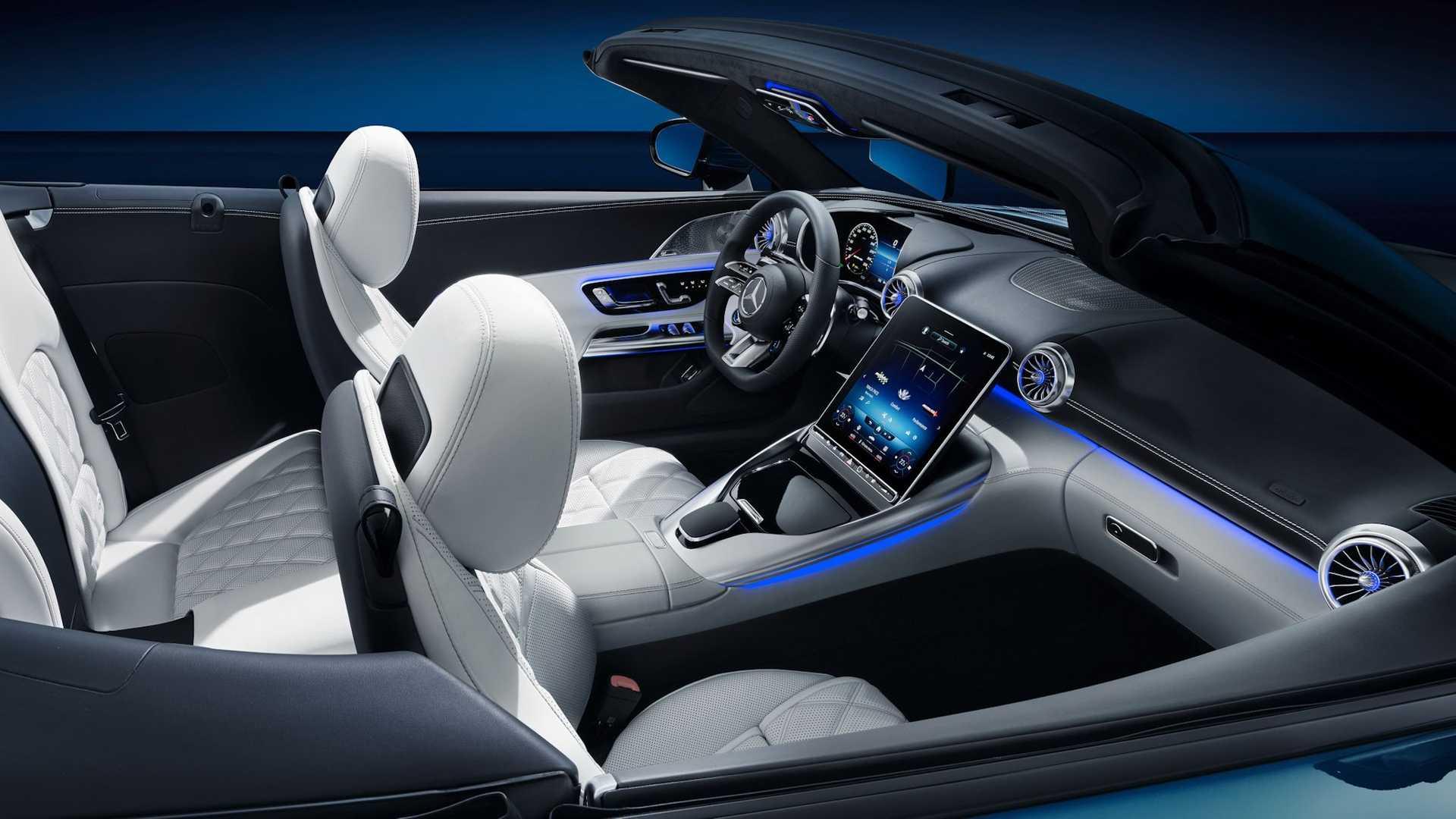 2022-mercedes-amg-sl-interior15.jpeg