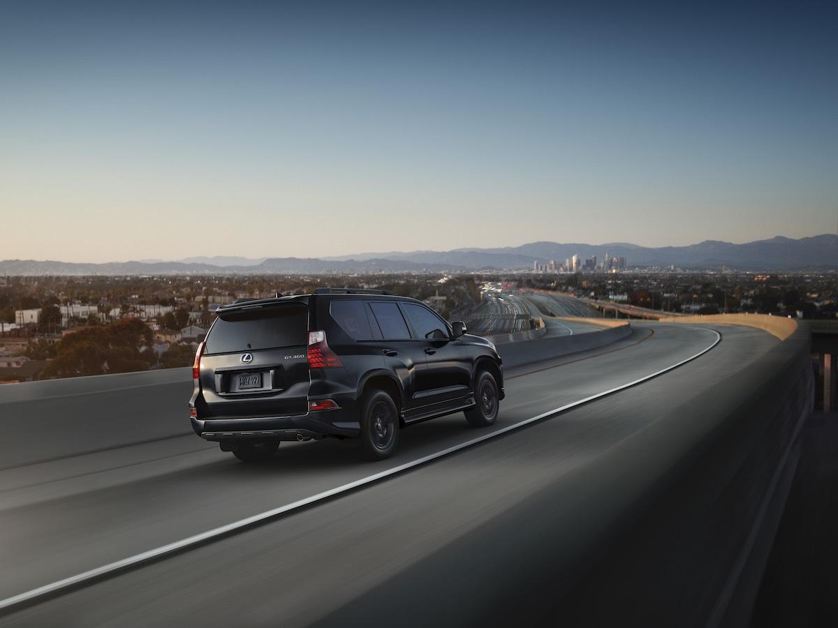 2022-Lexus-GX-Black-Line_2.jpg