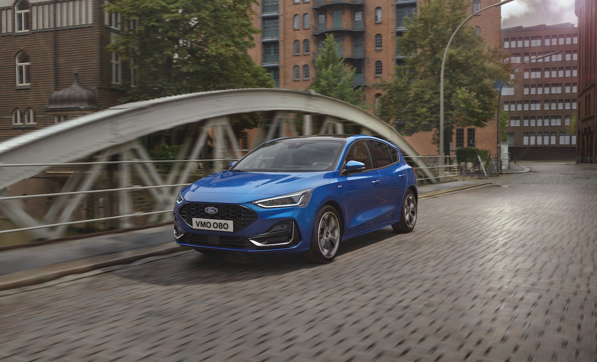 2021_FORD_FOCUS_ST-LINE_OUTDOOR_01.jpg