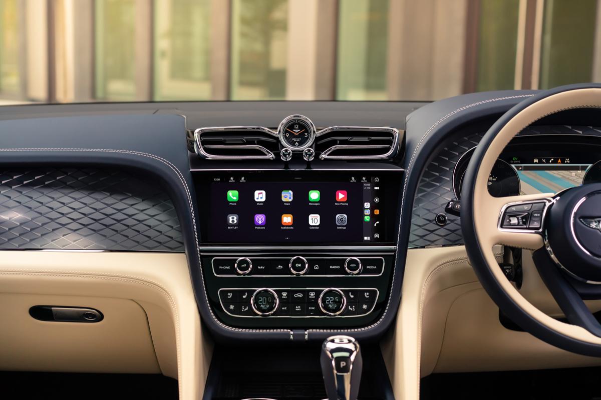 New Bentayga Hybrid - 16.jpg