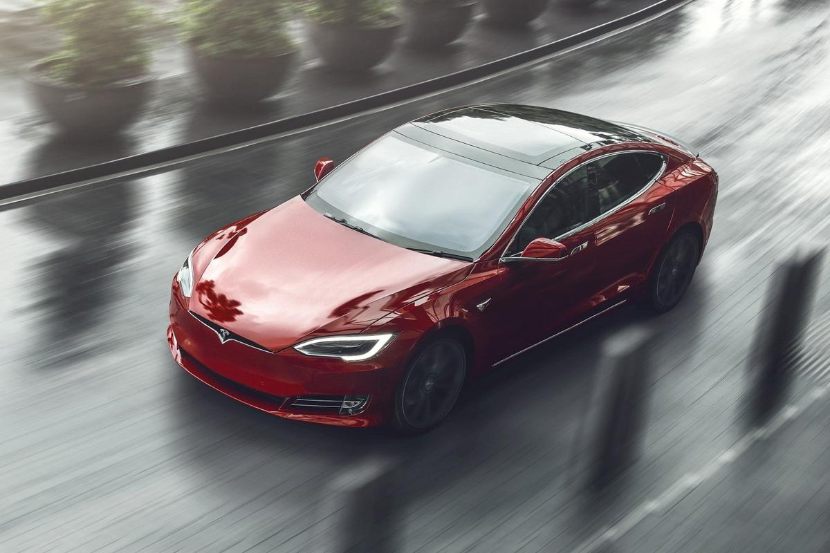 Tesla-Model_S-2017-1600-06.jpg