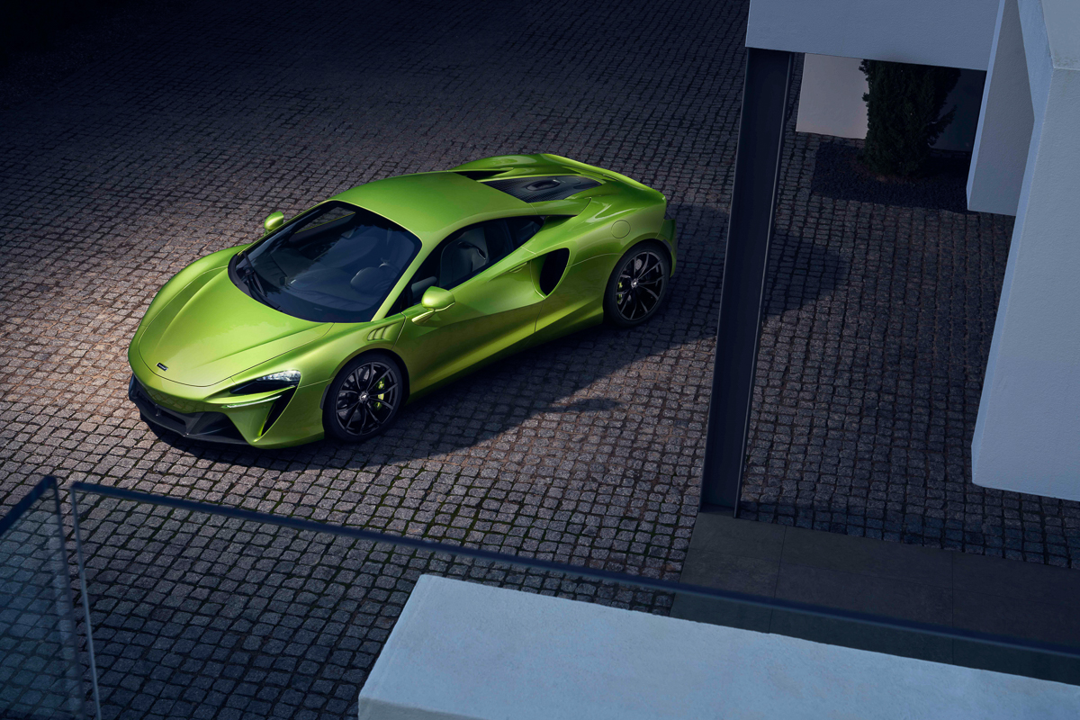 Large-12903-McLarenArtura.jpg