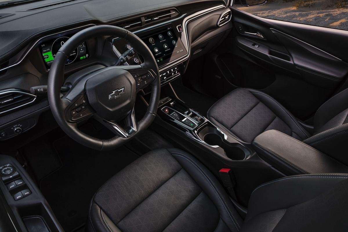 2022-Chevrolet-BoltEV-015.jpg