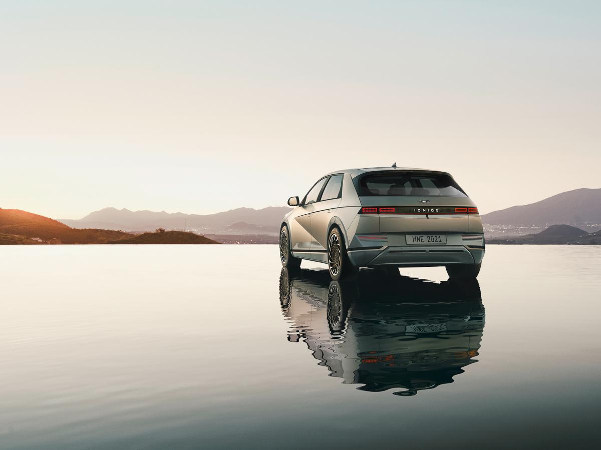 Large-45008-HyundaiIONIQ5RedefinesElectricMobilityLifestyle.jpg
