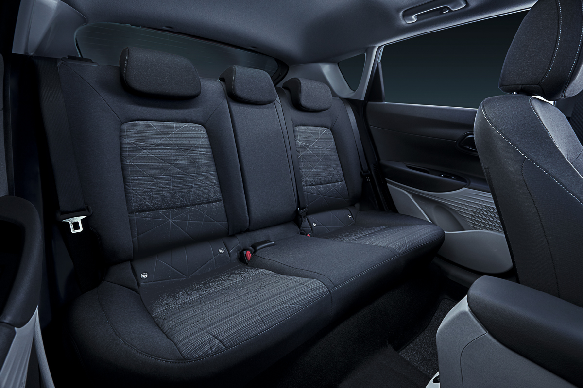 Large-45093-HyundaiMotorrevealsall-newBAYONastylishandsleekcrossoverSUV.jpg