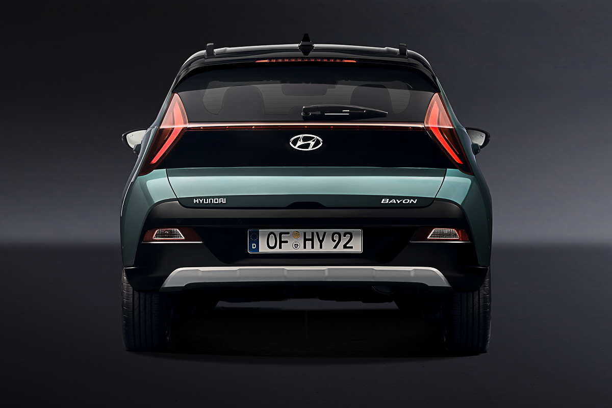 Large-45095-HyundaiMotorrevealsall-newBAYONastylishandsleekcrossoverSUV.jpg