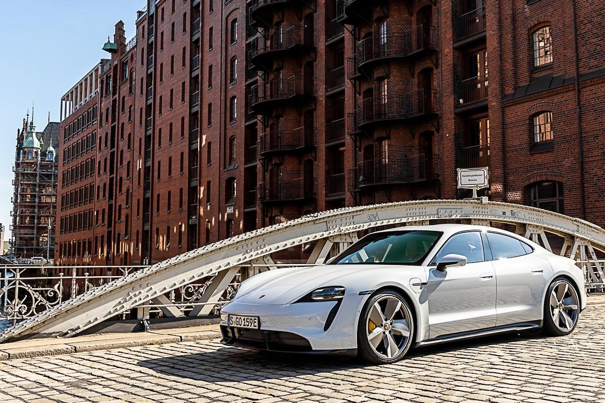 Porsche-Taycan_Turbo_S-2020-1600-29.jpg