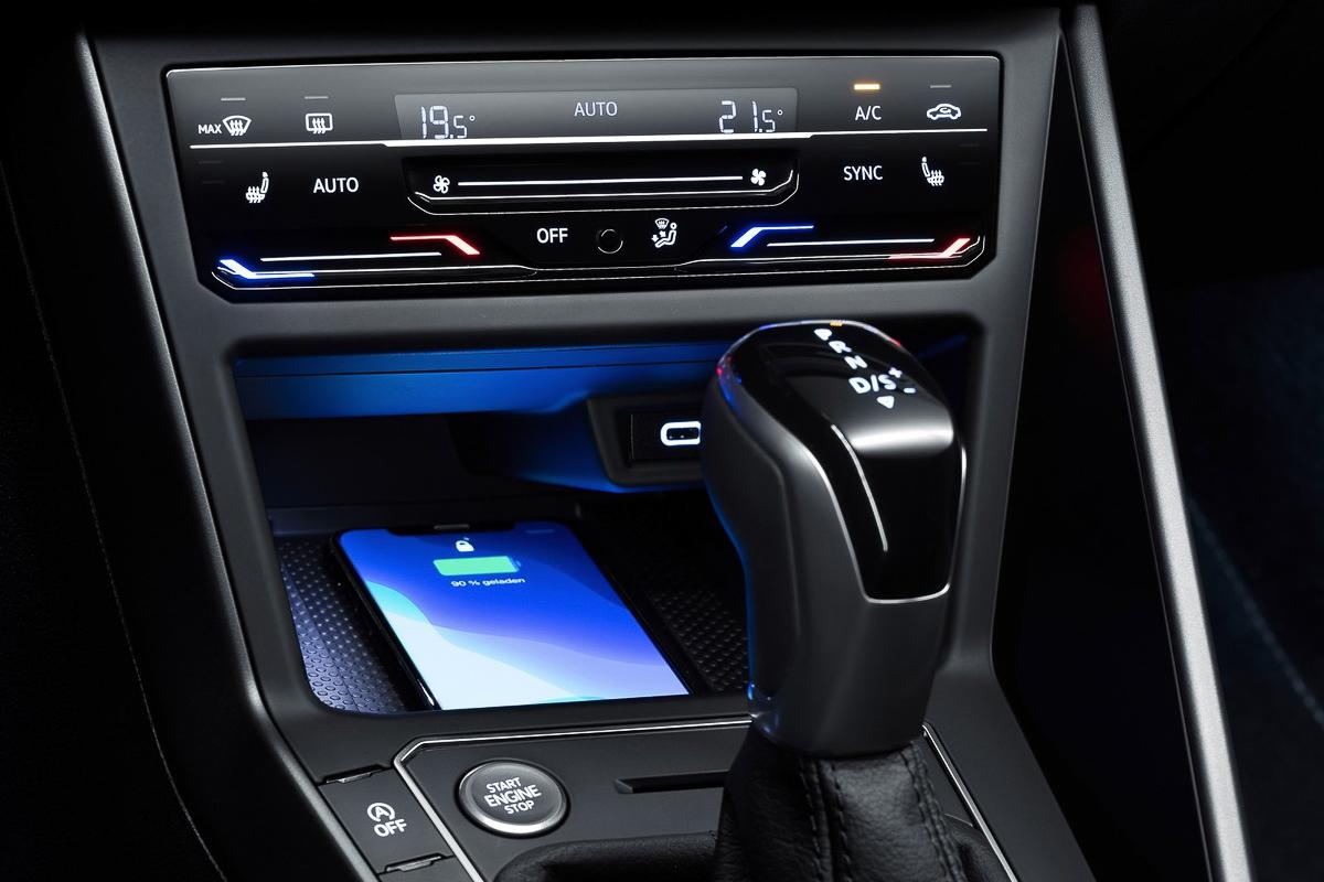 Volkswagen-Polo-2022-1600-11.jpg