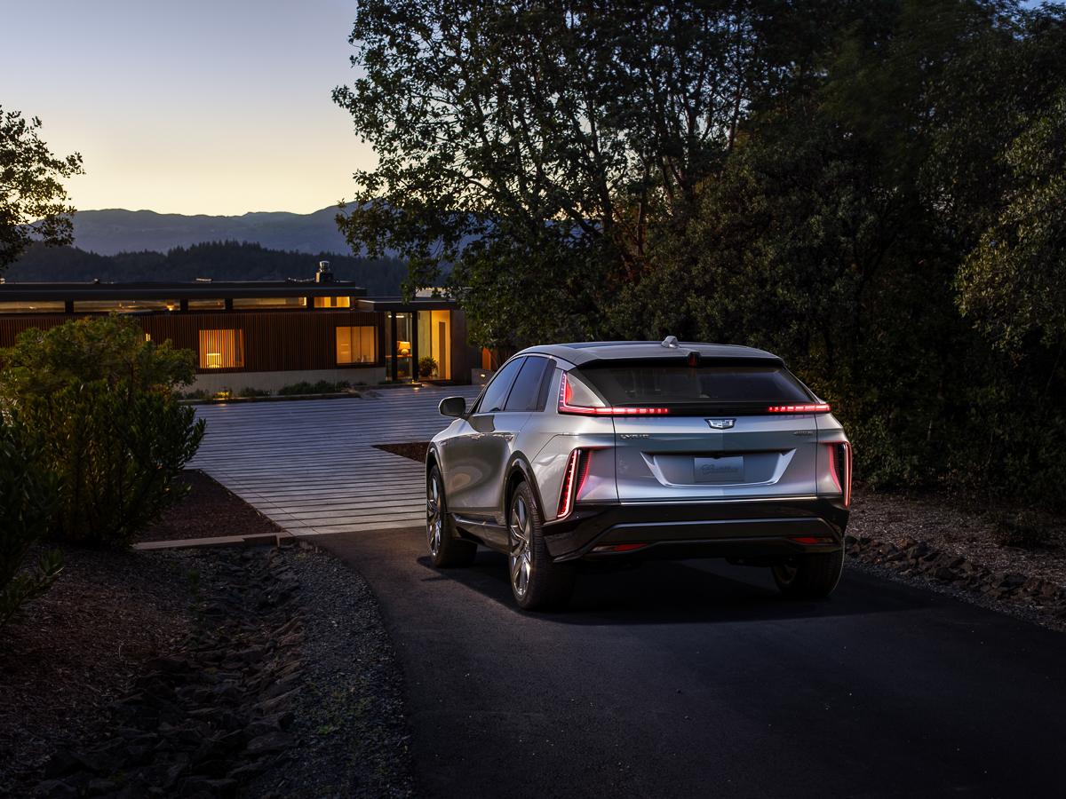 2023-Cadillac-LYRIQ-004.jpg