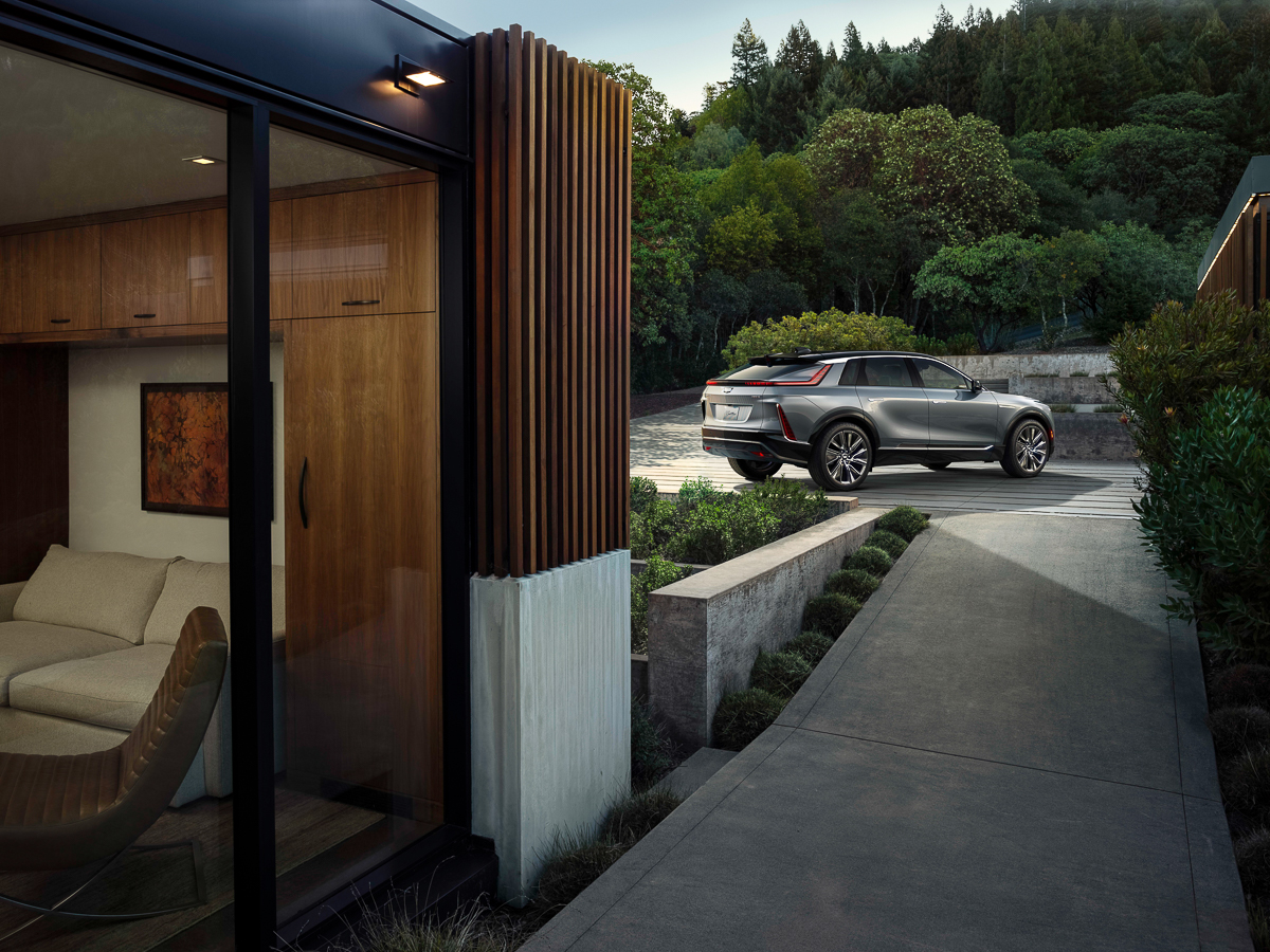 2023-Cadillac-LYRIQ-009.jpg