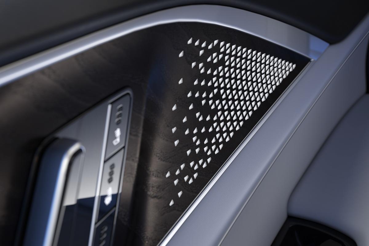 2023-Cadillac-LYRIQ-019.jpg