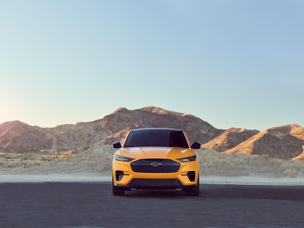 Mustang-Mach-E-GT-Performance-Edition-02.jpg
