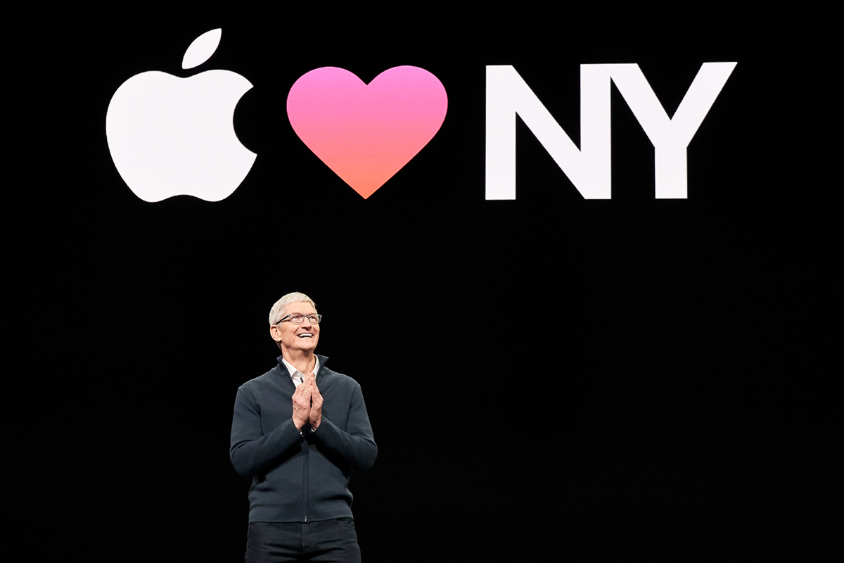 apple-october-keynote-wrap-up_tim-cook_10302018.jpg