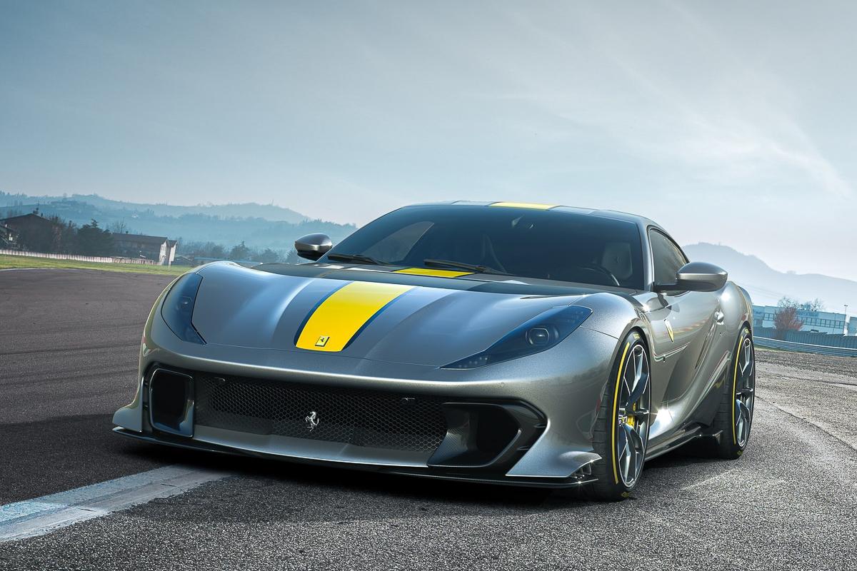 Ferrari-812_Competizione-2021-1600-01.jpg