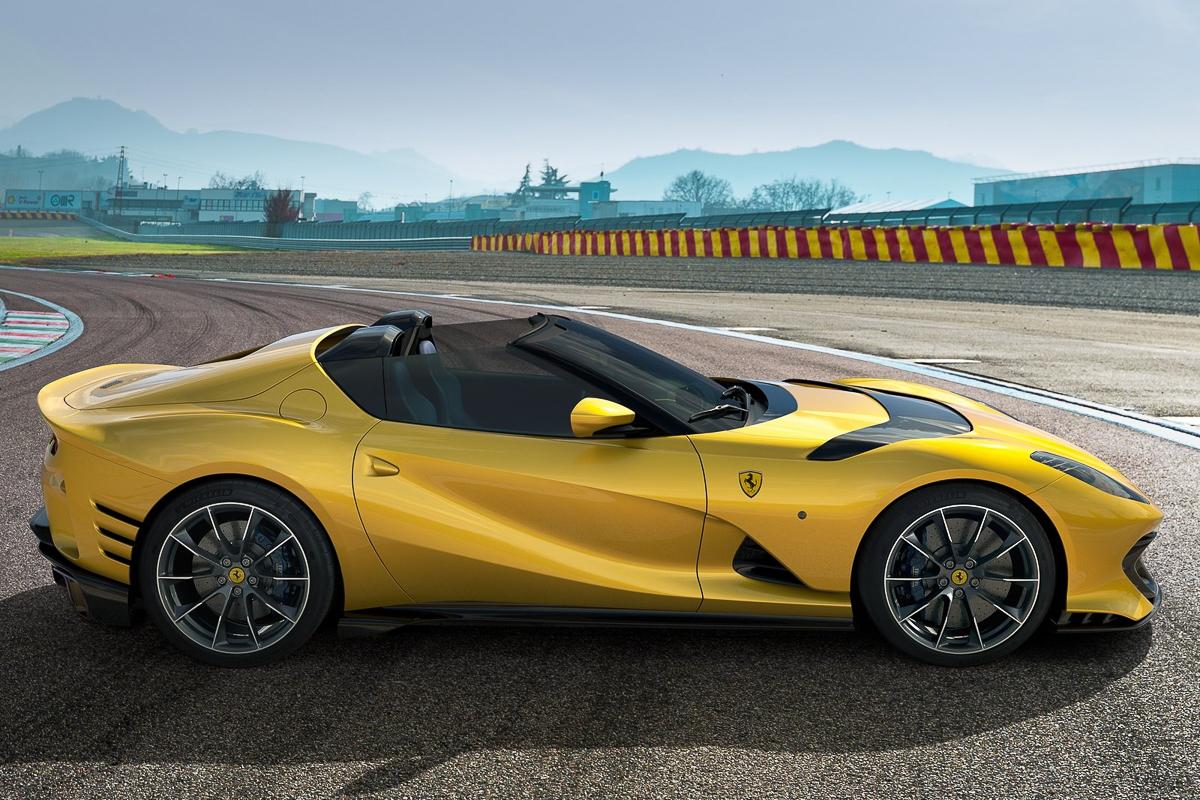 Ferrari-812_Competizione-2021-1600-04.jpg