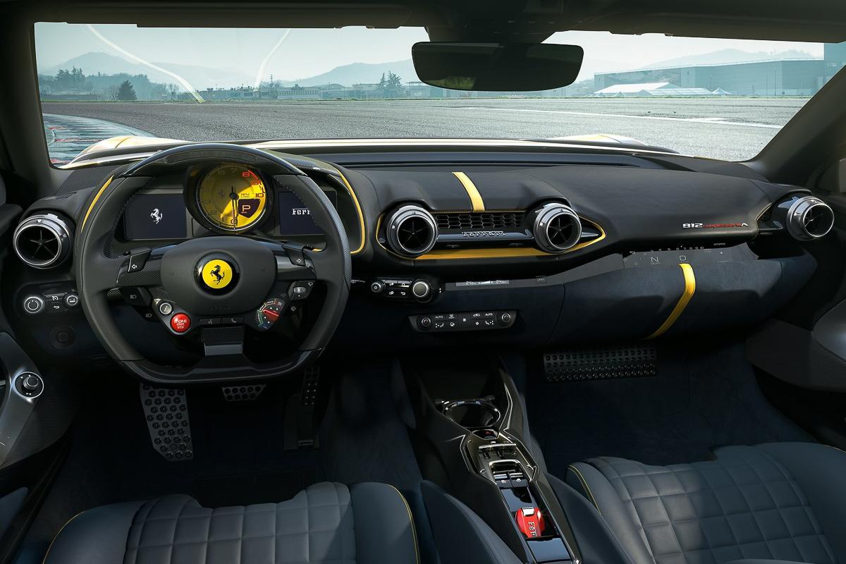 Ferrari-812_Competizione-2021-1600-0a.jpg