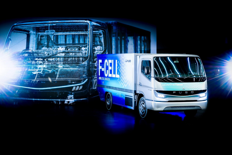 FUSO eCANTER F-CELL外觀照-1(資料來源_2019東京車展).jpg