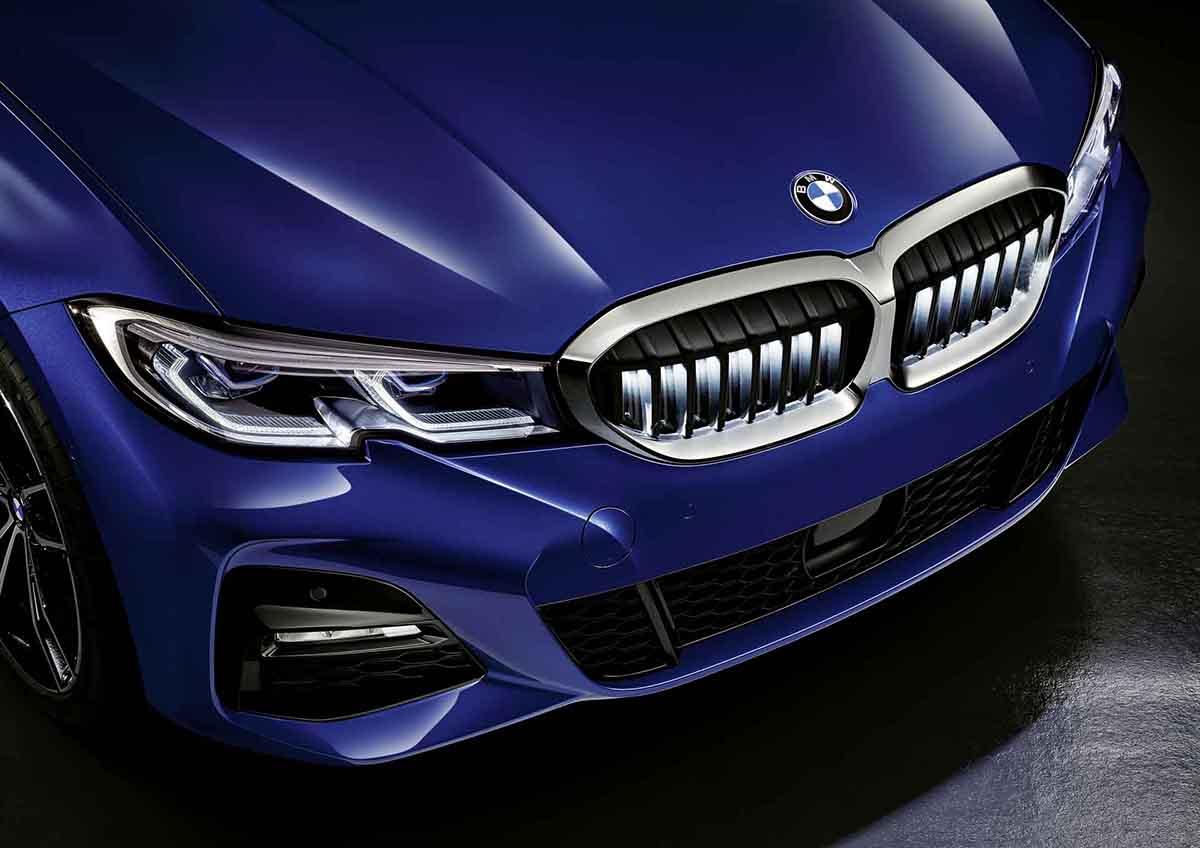 [新聞照片三] BMW Accessories全新推出BMW 3系列專屬飾光水箱護罩,為您的愛車增添獨特識別度.JPG