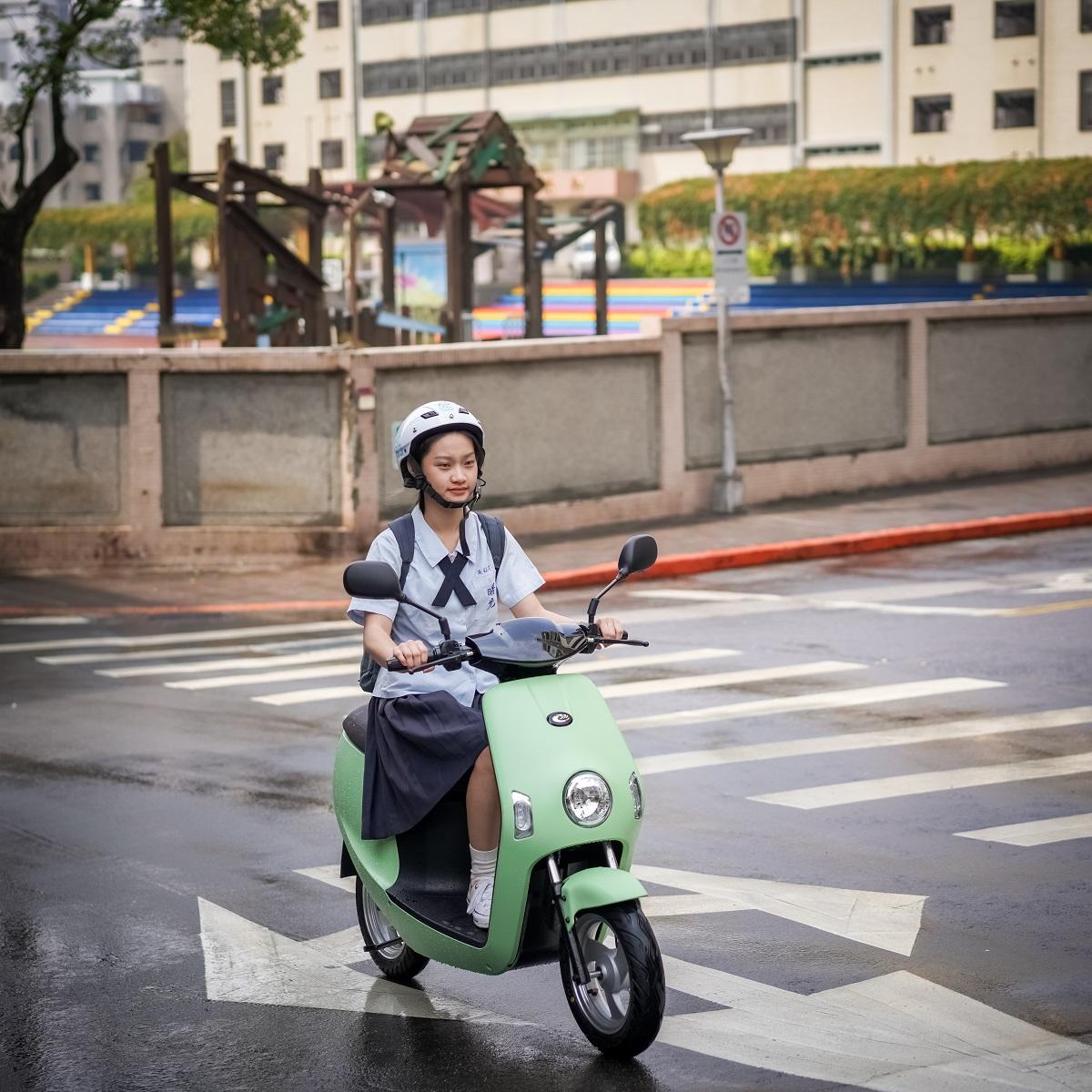 eMOVING電動自行車春夏新色登場,配備升級.jpg